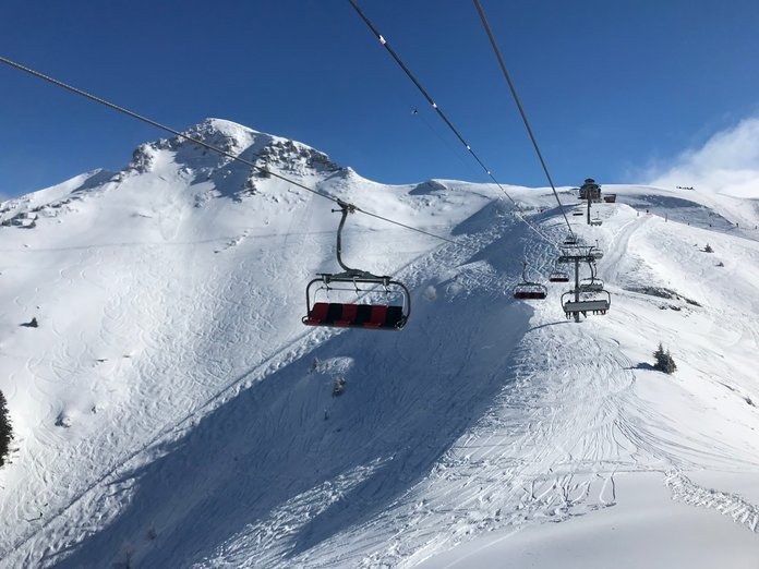 All Ski Lifts in France to remain closed until after the festive period