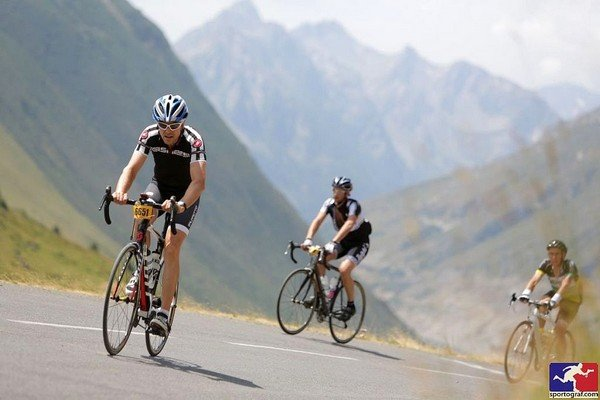 road cycling the cols in the area