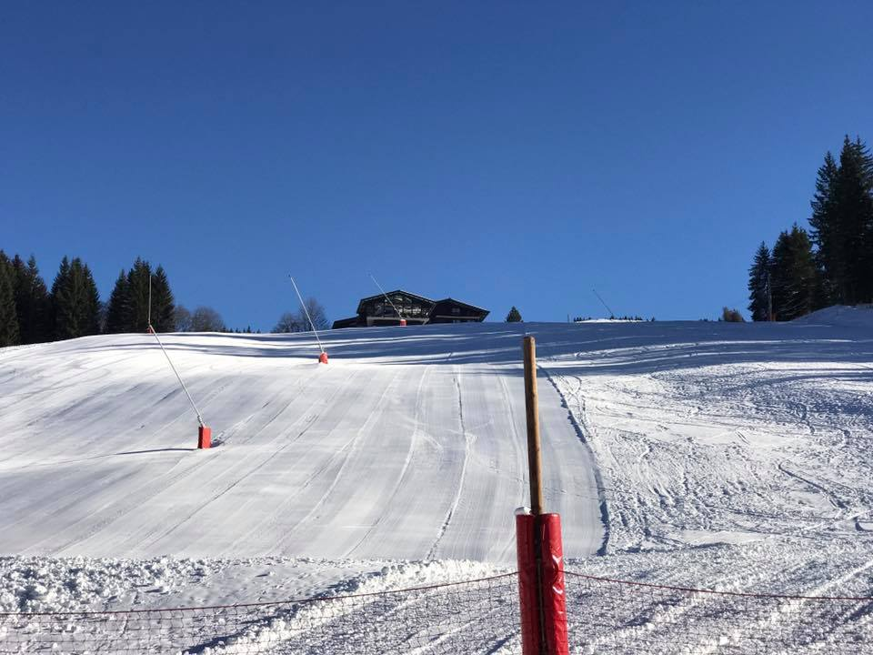 How about a mid-week ski? Les Gets open on Wednesday 13th December